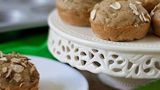 Healthy Oatmeal Zucchini Muffins