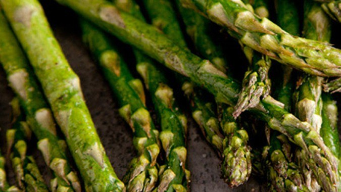 Roasted Asparagus with Garlic-Lemon Sauce